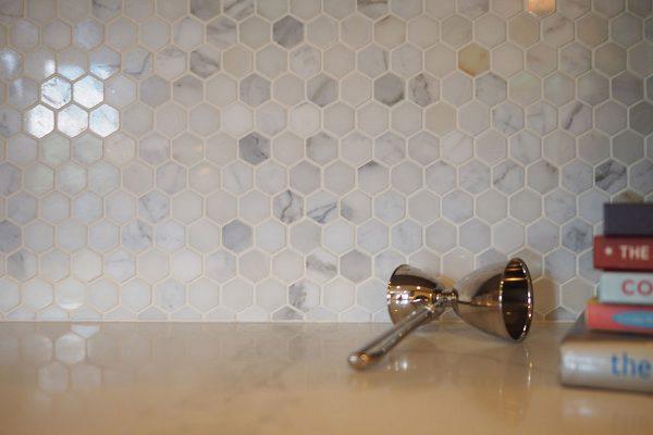 msi-tiles-flooring-calacatta-gold-2-hexagon-mosaic-SMOT-CALAGOLD-2HEX